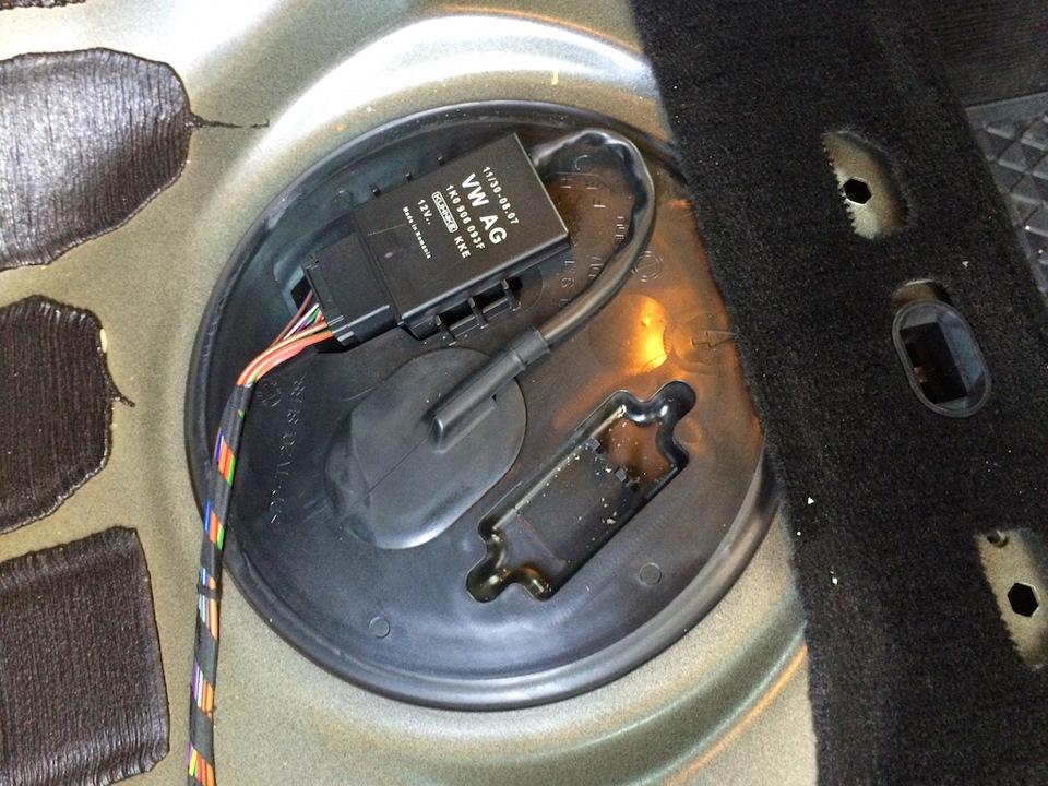 где стоит топливный фильтр на volkswagen tsi