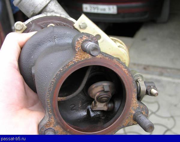 На снятой турбине клапан